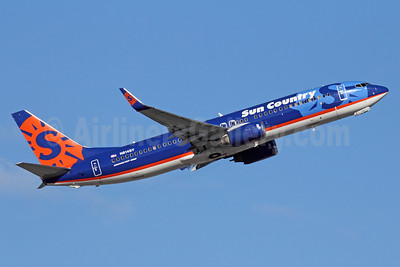Sun Country Airlines Boeing 737-8BK WL N814SY (msn 30620) SEA (Michael B. Ing). Image: 913443.
