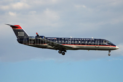 US Airways Express-Air Wisconsin Bombardier CRJ200 (CL-600-2B19) N407AW (msn 7424) DCA (Bruce Drum). Image: 100875.