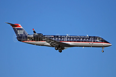 US Airways Express-Air Wisconsin Bombardier CRJ200 (CL-600-2B19) N410AW (msn 7490) MCO (Bruce Drum). Image: 100876.