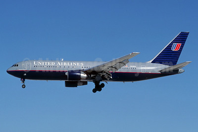 United Airlines Boeing 767-222 N609UA (msn 21870) (Christian Volpati Collection). Image: 927475.