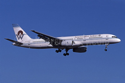 America West Airlines Boeing 757-2S7 N901AW (msn 23321) PHX (Bruce Drum). Image: 101097.