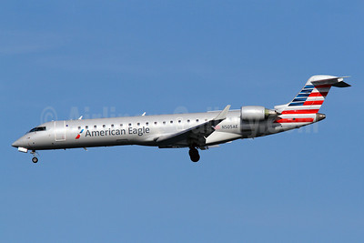 American Eagle Airlines (2nd) Bombardier CRJ700 (CL-600-2C10) N505AE (msn 10053) DCA (Brian McDonough). Image: 912009.