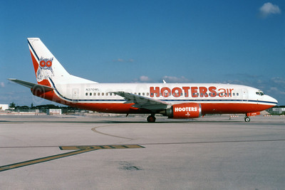 Hooters Air (Pace Airlines) Boeing 737-3G7 N370WL (msn 24011) MIA (Bruce Drum). Image: 102083.