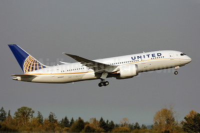 United Airlines Boeing 787-8 Dreamliner N20904 (msn 34824) PAE (Nick Dean). Image: 909327.