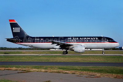 US Airways Airbus A320-214 N114UW (msn 1148) CLT (Bruce Drum). Image: 100871.