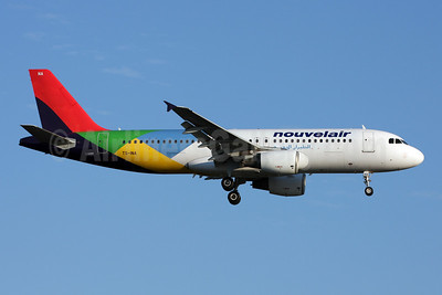 Nouvelair Airbus A320-214 TS-INA (msn 1121) (Eritrean Airlines colors) LGW (Terry Wade). Image: 908871.