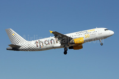 Vueling Airlines (Vueling.com) Airbus A320-214 EC-JZQ (msn 992) (Thanks! - 50 million passengers) LIS (Pedro Baptista). Image: 908685.