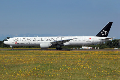 Air China Boeing 777-39L B-2032 (msn 38671) (Star Alliance) PAE (Nick Dean). Image: 908890.