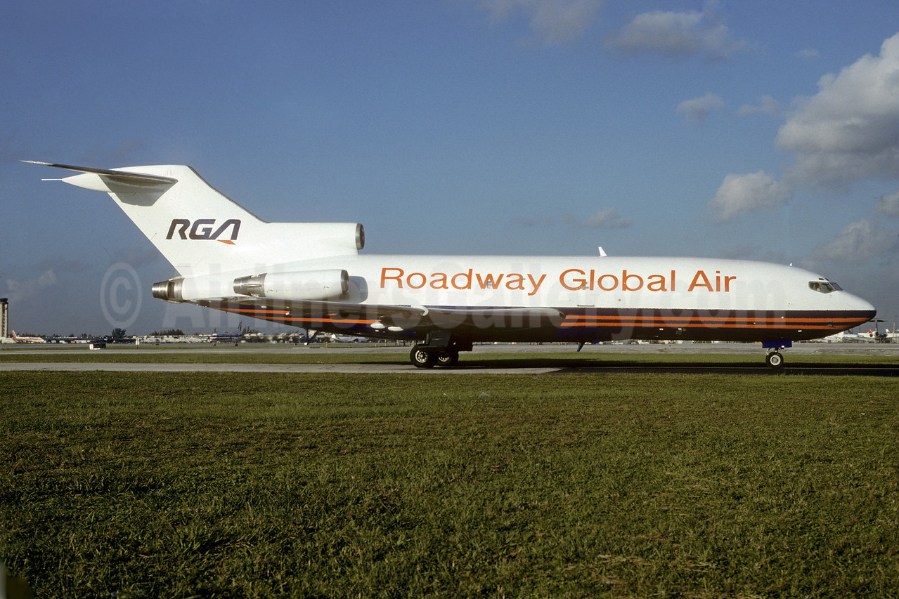 Roadway Global Air-RGA Boeing 727-82 (F) N357NE (msn 19405) MIA (Bruce Drum). Image: 103130.