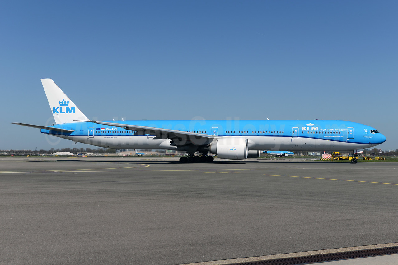 KLM Boeing 777-300 in the new 2014 livery