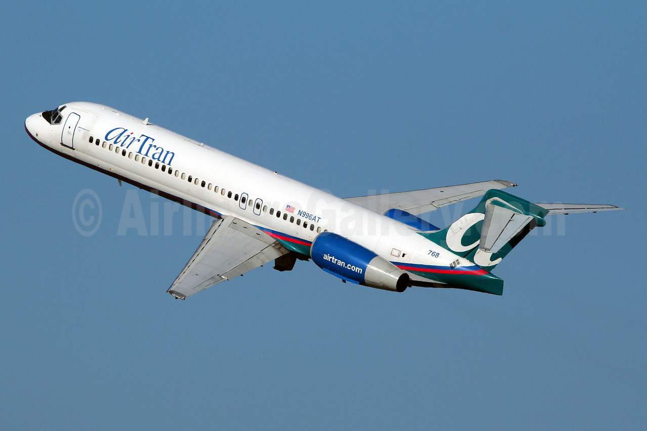 AirTran Airways Boeing 717-2BD N996AT (msn 55140) DCA )Marcelo F. De Biasi). Image: 912073.