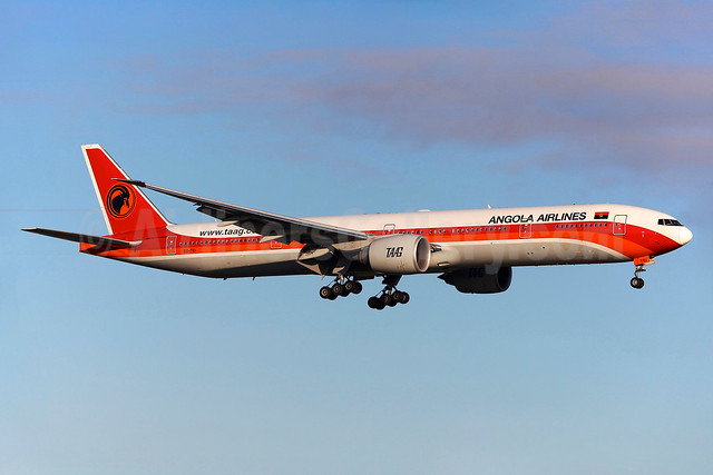 TAAG Angola Airlines (TAAG Linhas Aereas de Angola) Boeing 777-3M2 ER D2-TEI (msn 43252) LIS (Greenwing). Image: 933634.