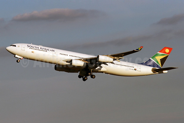 South African Airways Airbus A340-313 ZS-SXE (msn 646) IAD (Brian McDonough). Image: 920715.