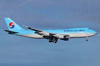 Korean Air Cargo Boeing 747-4B5F HL7437 (msn 32808) ANC (Michael B. Ing). Image: 930043.