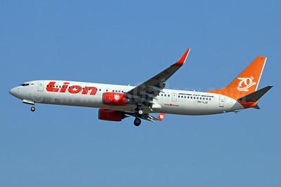 Lion's 70th Boeing Next-Generation 737 logo jet