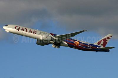 Qatar Airways Boeing 777-3DZ ER A7-BAE (msn 36104) (FC Barcelona - A Team that United the World) LHR (SPA). Image: 929583.