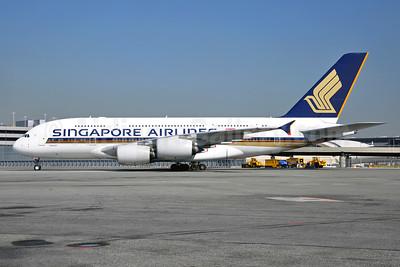 Singapore Airlines Airbus A380-841 9V-SKN (msn 071) JFK (Stephen Tornblom). Image: 929539.