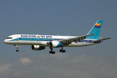 Sun d'Or International Airlines Boeing 757-258 4X-EBS (msn 24884) (El Al colors) BCN (Clement Alloing). Image: 920723.
