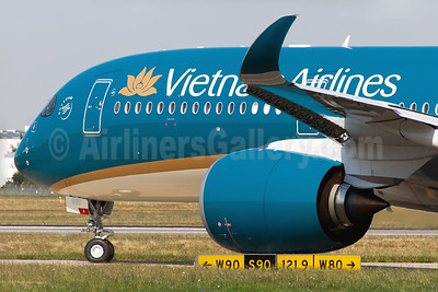 Vietnam Airlines Airbus A350-941 F-WZFI (VN-A886) (msn 014) TLS (Clement Alloing). Image: 928515.