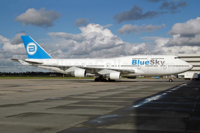 Blue Sky (Blue Airways) Boeing 747-422 N176UA (EK-74783) (msn 24383) AMS (Ton Jochems). Image: 953333.
