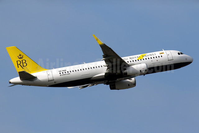 Royal Brunei Airlines Airbus A320-232 WL V8-RBW (msn 6771) HKG (Javier Rodriguez). Image: 934920.