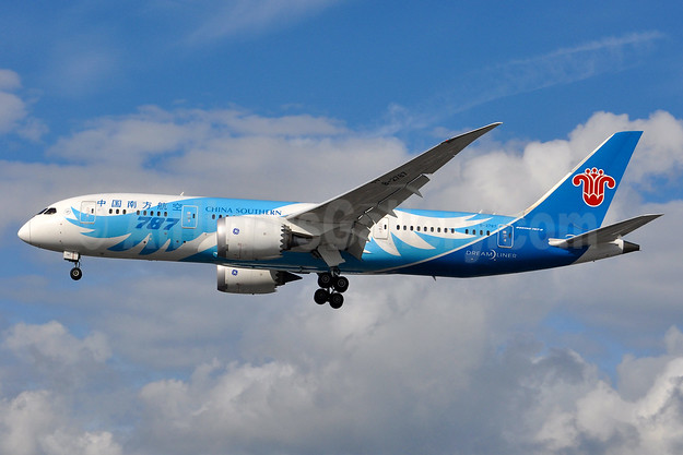 China Southern Airlines Boeing 787-8 Dreamliner B-2787 (msn 34931) LHR (Tony Storck). Image: 935073.