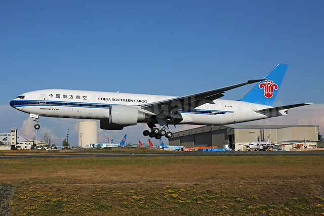China Southern Airlines Cargo Boeing 777-F1B B-2042 (msn 41633) PAE (James Helbock). Image: 913305.