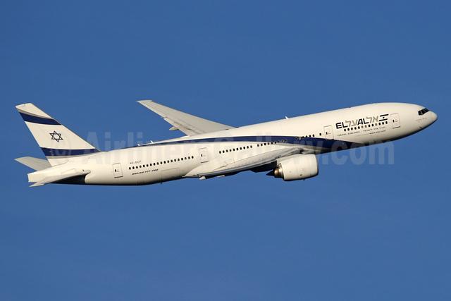 El Al Israel Airlines Boeing 777-258 ER 4X-ECF (msn 36084) LHR (SPA). Image: 935918.