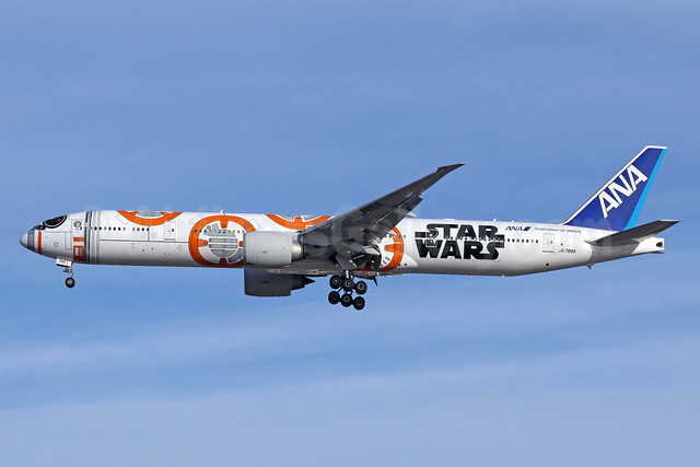 ANA (All Nippon Airways) Boeing 777-381 ER JA789A (msn 40687) (Star Wars - BB-8) LAX (Michael B. Ing). Image: 940294.
