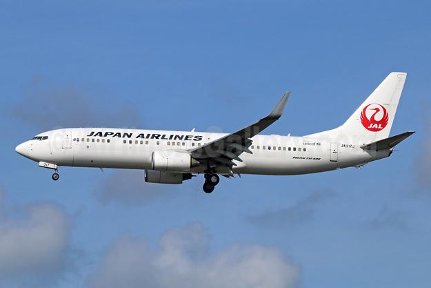 JAL-Japan Airlines Boeing 737-846 WL JA317J (msn 35346) NRT (Michael B. Ing). Image: 943473.