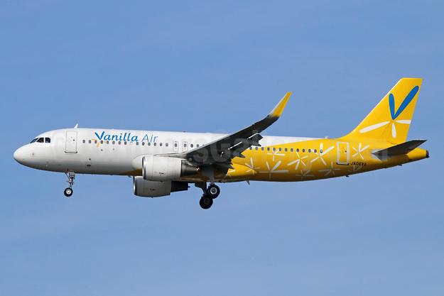 Vanilla Air Airbus A320-214 WL JA06VA (msn 6320) NRT (Michael B. Ing). Image: 934241.