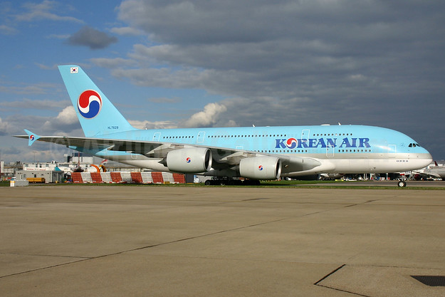 Korean Air Airbus A380-861 HL7628 (msn 156) LHR (SPA). Image: 932510.