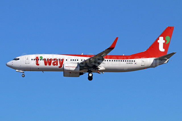 t'way Air Boeing 737-8Q8 WL HL8095 (msn 30725) NRT (Michael B. Ing). Image: 940412.