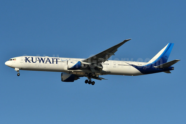 Kuwait Airways Boeing 777-300ER 9K-AOC (msn 62561) JFK (Fred Freketic). Image: 937401.