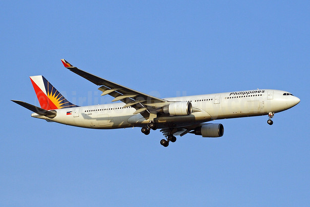 Philippines (Philippine Airlines) Airbus A330-301 F-OHZQ (msn 189) SIN (Michael B. Ing). Image: 905456.