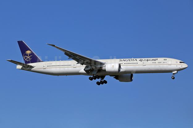 Saudia (Saudi Arabian Airlines) Boeing 777-300 ER HZ-AK44 (msn 62764) STN (Keith Burton). Image: 940874.
