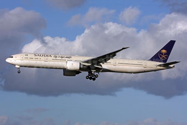 Saudia (Saudi Arabian Airlines) Boeing 777-368 ER HZ-AK20 (msn 41058) LHR (SPA). Image: 943643.