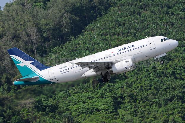 SilkAir Airbus A319-133 9V-SBH (msn 4259) HKT (Richard Vandervord). Image: 923656.