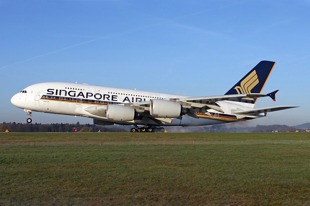 Singapore Airlines Airbus A380-841 9V-SKD (msn 008) ZRH (Andi Hiltl). Image: 905255.