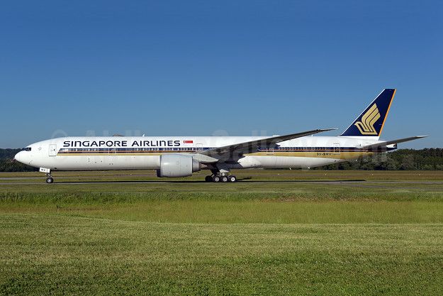 Singapore Airlines Boeing 777-312 ER 9V-SWV (msn 42236) ZRH (Rolf Wallner). Image: 950270.