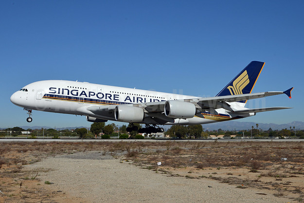 Singapore Airlines Airbus A380-841 9V-SKK (msn 051) LAX (Roy Lock). Image: 910613.
