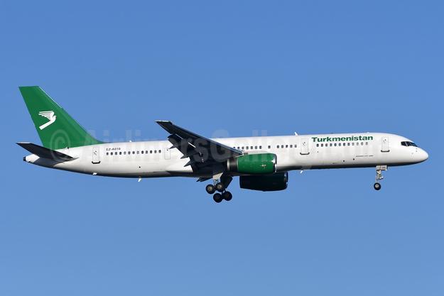 Turkmenistan Airlines Boeing 757-23A EZ-A010 (msn 25345) IST (TMK Photography). Image: 944521.