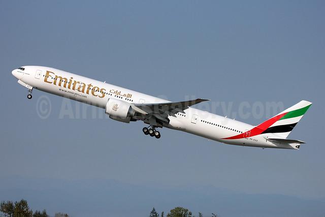 Emirates Airline Boeing 777-31H ER A6-EGZ (msn 41081) PAE (Nick Dean). Image: 909346.