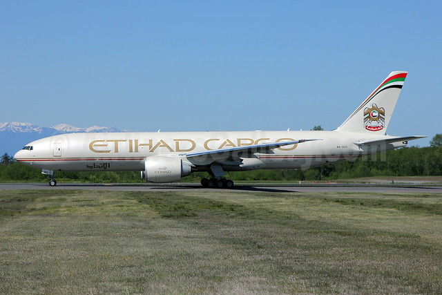 Etihad Airways Cargo (Etihad Airways) Boeing 777-FFX A6-DDC (msn 39691) PAE (Nick Dean). Image: 912002.