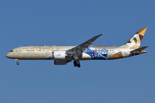 Etihad Airways Boeing 787-9 Dreamliner A6-BLC (msn 39648) (Choose the USA) LHR (Richard Vandervord). Image: 955330.