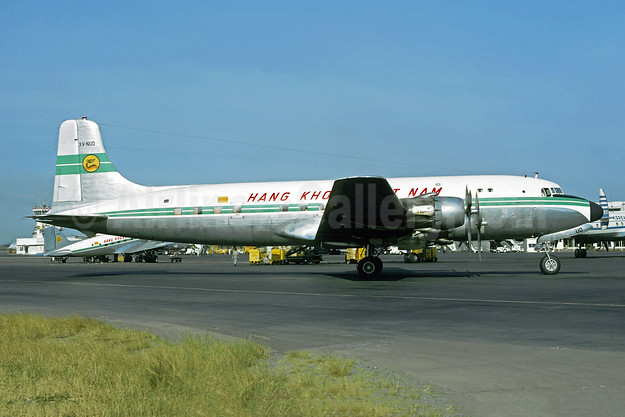 Hãng Không Việt Nam (Air Viet Nam) Douglas DC-6 XV-NUD (msn 42876) SGN (Jacques Guillem Collection). Image: 954642.