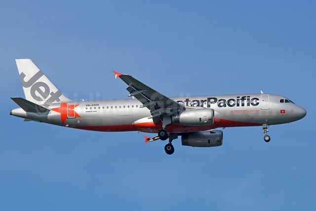 Jetstar Pacific Airlines (Jetstar.com) Airbus A320-232 VN-A559 (msn 3012) BKK (Michael B. Ing). Image: 939007.