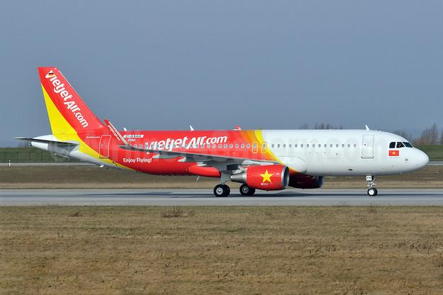 Vietjet Air (VietJetAir.com) Airbus A320-214 WL D-AXAA (VN-A678) (msn 6025) XFW (Gerd Beilfuss). Image: 922328.