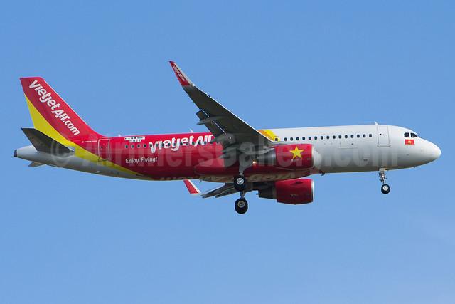 Vietjet Air (VietJetAir.com) Airbus A320-214 WL F-WWBR (VN-A686) (msn 5822) (Sharklets) TLS (Olivier Gregoire). Image: 920910.