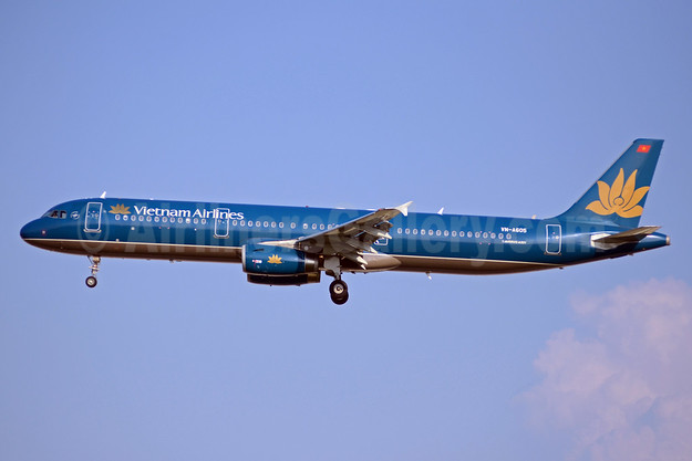 Vietnam Airlines Airbus A321-231 VN-A605 (msn 5699) SIN (TMK Photography). Image: 925254.